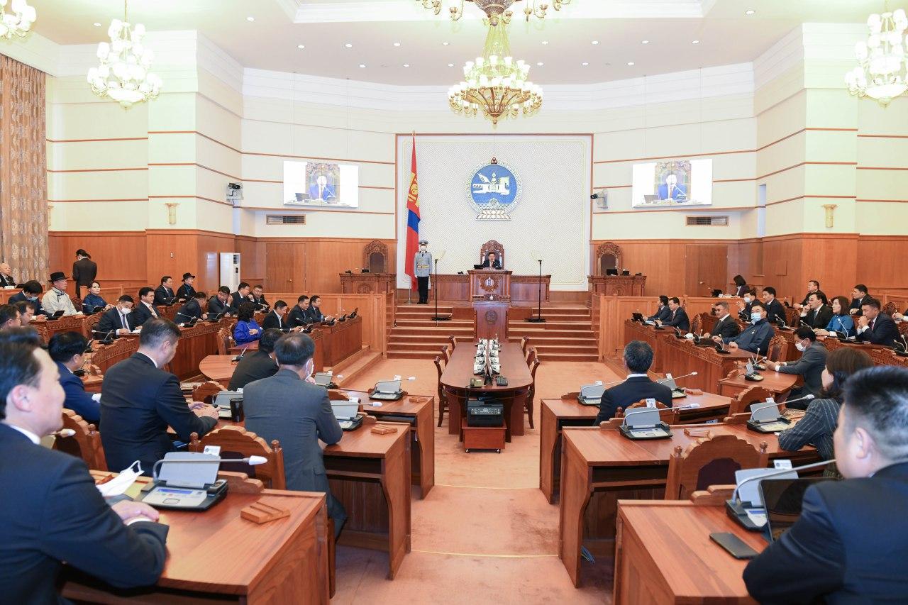 Хүний эрхийн Үндэсний Комиссын гишүүдийг томилж, чөлөөлөв